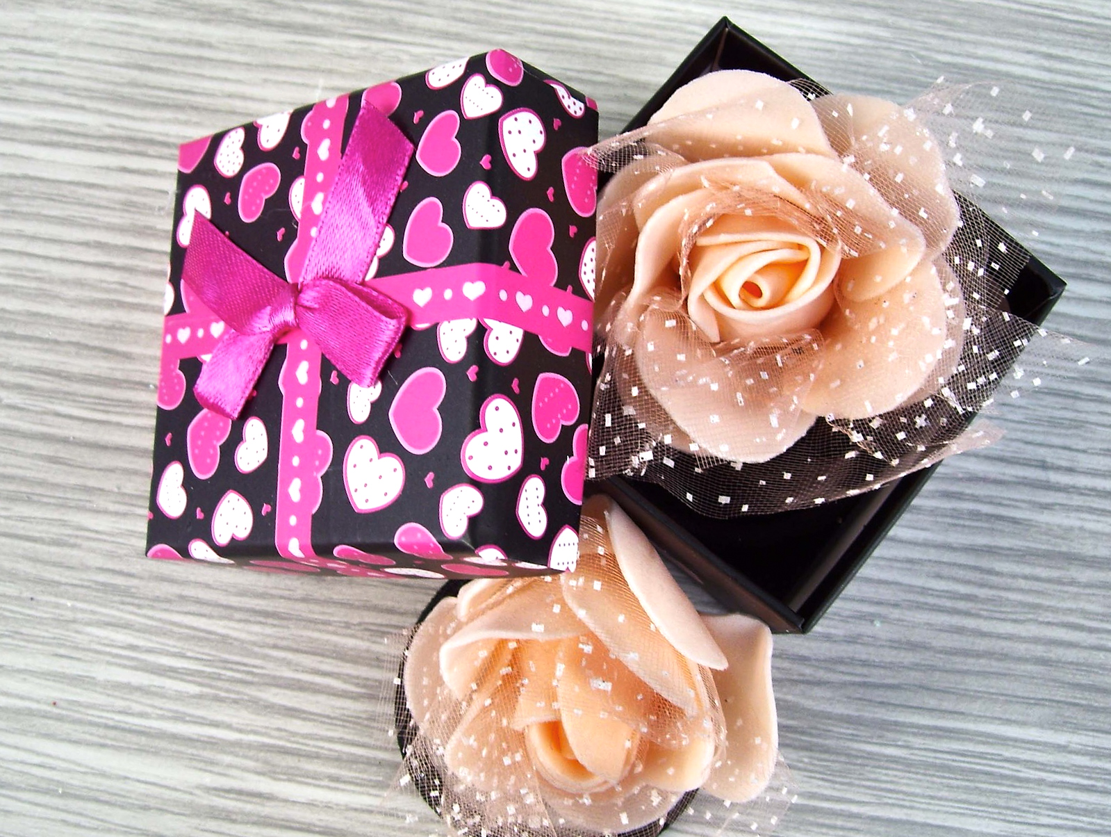 pink gift ideas