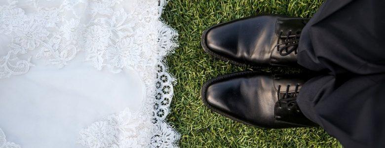 wedding for under 1000 dollars